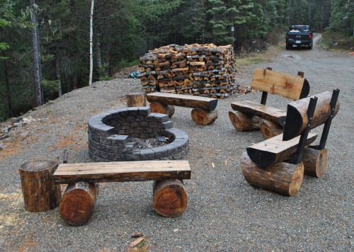 fire-pit-sitting-area
